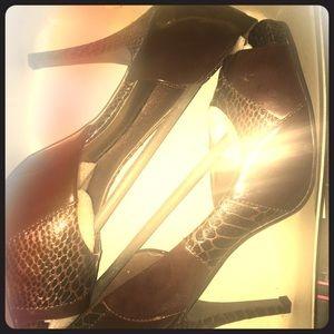 Brand*New! Brown animal print high heels sz10